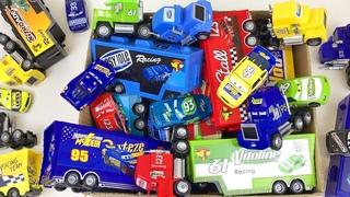 Коробка Полная Машинок Тачки Игрушки Дисней Учим Цвета  Развивающее Видео для Детей
