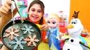 Karlar Ülkesi çocuk videosu. Ayşe Elsa ve Olaf için oyun hamuru ile kar kurabiyesi yapıyor