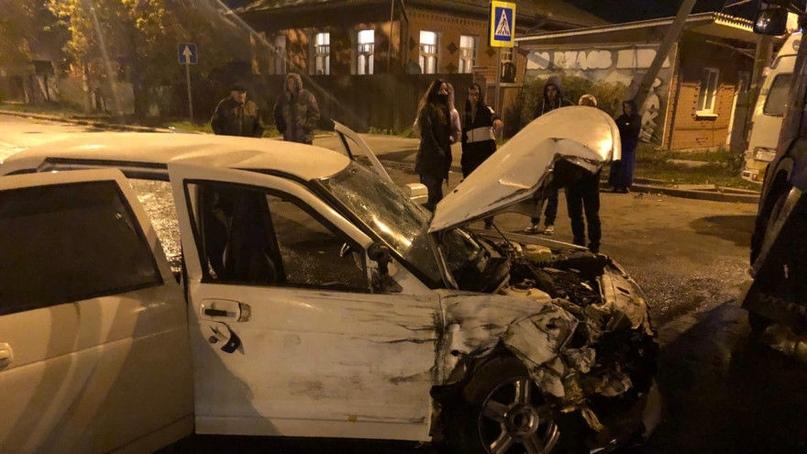 Четверо улетели под фуру: появились кадры жесткого ДТП в Самаре