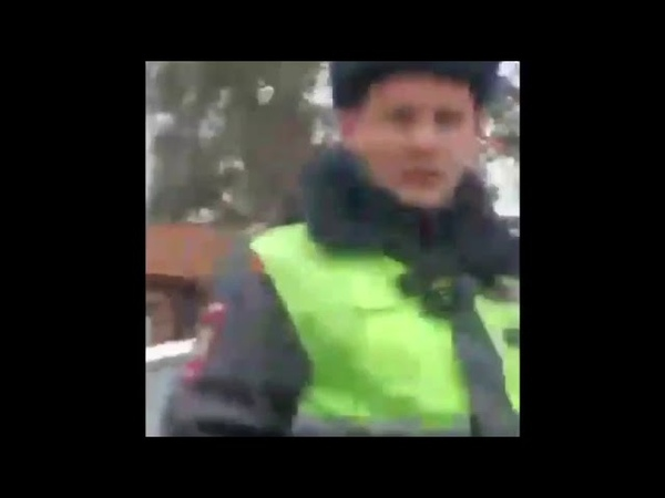 Скандал с полицейским в КЧР попал на видео