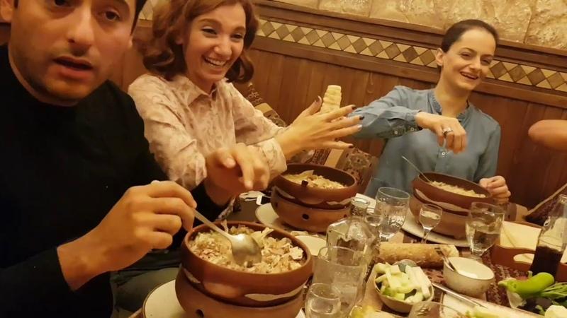 Как правильно кушать хаш Хаш в Ереван пандок на улице Терян. Ереван 11.10.2018.