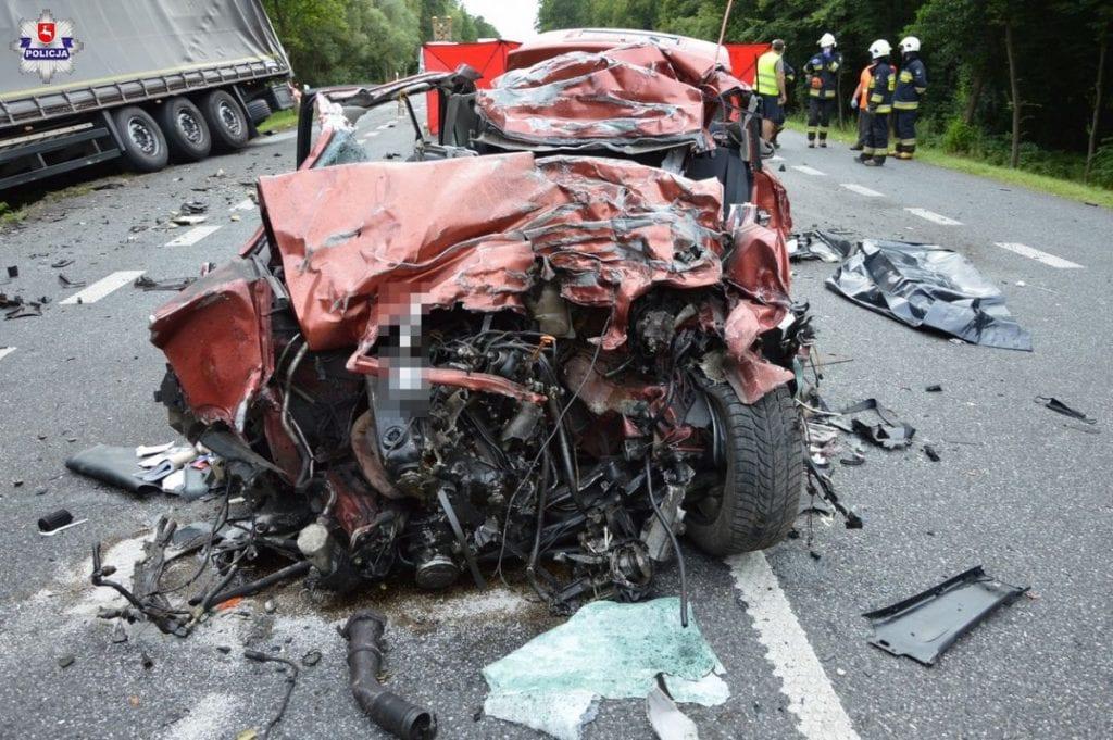 В Польше 19-летняя девушка на Audi лоб в лоб столкнулась с фурой из Беларуси. Водитель погибла