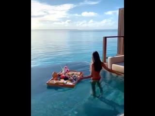 Прекрасный завтрак в Раю, Мальдивы    (720p).mp4