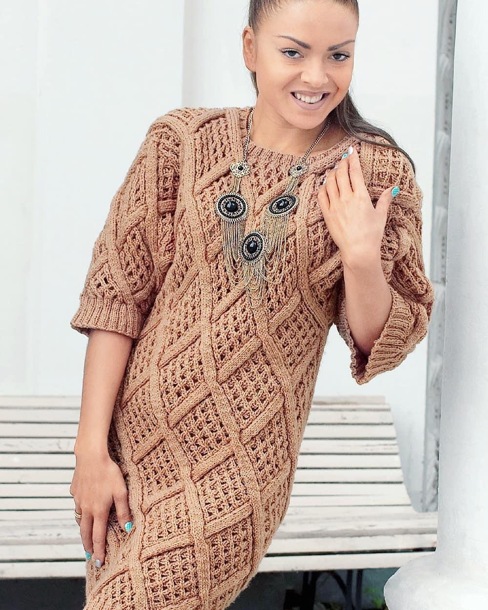 Нарядное вязаное платье с ажурными ромбами. И в пир, и в мир!