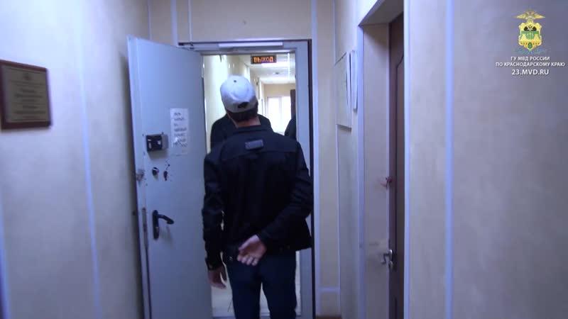 В Сочи полицейские по горячим следам раскрыли грабеж