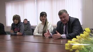 Поздравление с 8  марта  от  главы администрации Борисовского района Николая Давыдова сотрудниц ООО
