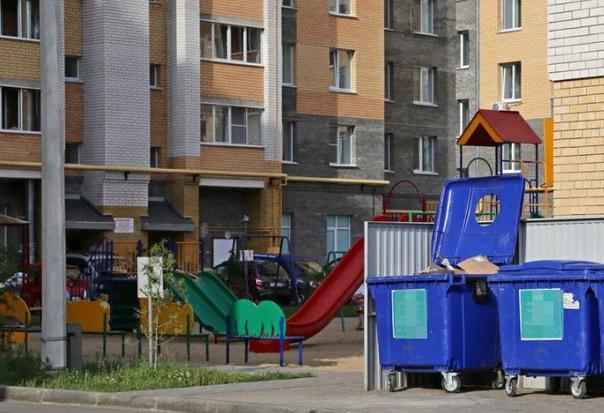 Менее 20 метров от домов: в Самаре контейнерные площадки установили с нарушениями СанПин