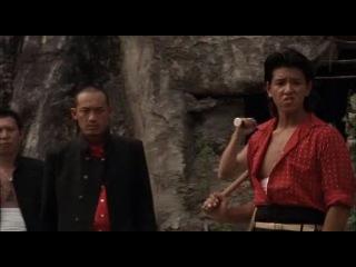 IZO / Изо (2004)   1865 год. Сёгунат доживает последние годы, но еще способен наказывать своих врагов.  Один из них — наемный убийца по имени Изо. Он находится на службе у правителя княжества Тоса, выступившего против дома Токугава.  Изо убивает множество самураев сёгуна, но попадает в плен и умирает мучительной смертью.  В последнее мгновение сила ярости переносит Изо через пространство и время в современный Токио, где он оказывается среди городских бомжей.  Здесь он превращается в новую, усовершенствованн
