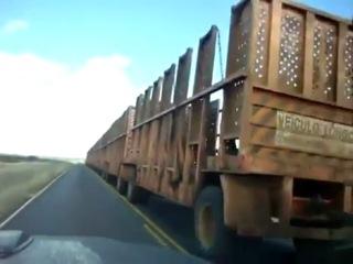 Обгон очень длинного грузовика