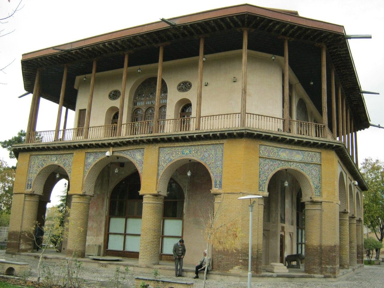 Старинный особняк в Казвин