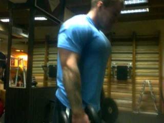 Динамическая тренировка(грудь плечи трицепс) помогает и тренирует Вова Ван ли