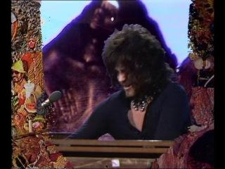 Santana - jungle strut (singing winds, crying beasts) (beat club, 1971)