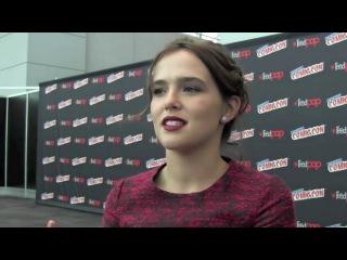 Zoey Deutch  Interview at New York Comic Con 2013