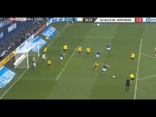 Mario Gotze Amazing Goalline save vs Schalke [Schalke vs Dortmund] (9/3/2013) Highlights