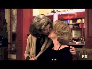 Sarah Paulson & Joan Severance - Lesbian Kiss - American Horror Story 2x13