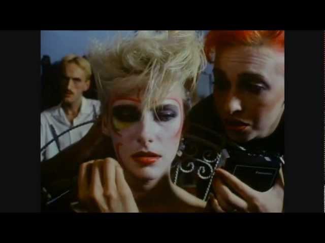 Vive La Fête Maquillage 2003 @ Liquid Sky 1982