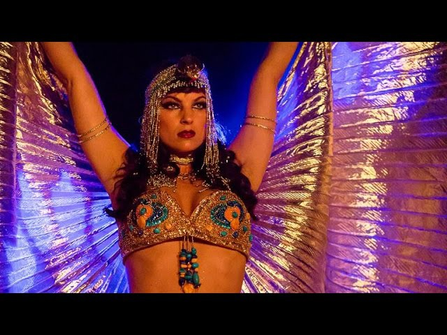 Vintage Belly Dance by Alia Queen of the Nile Ruby Revue