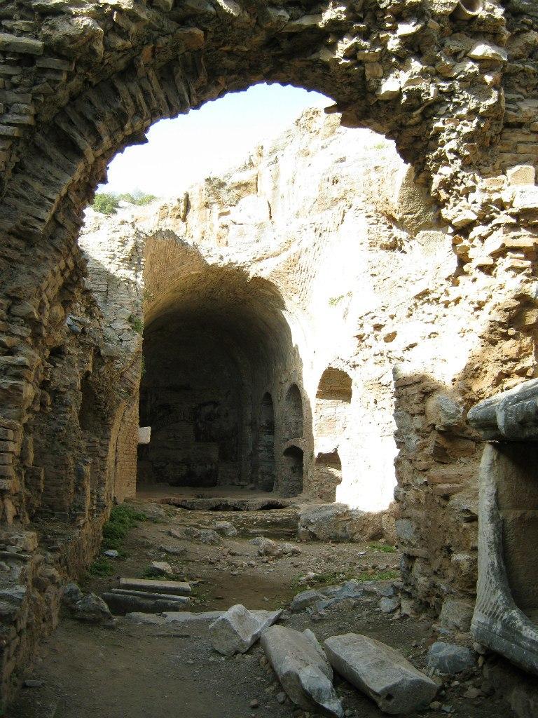 Пещера семи спящих близ Сельчук