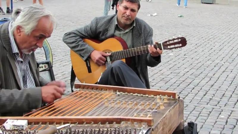 Hungarian gypsy Street Musicians MusicOff La g