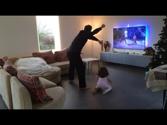 Loic Nottet Inès 4 ans Dancing With The Stars at home Sia Chandelier