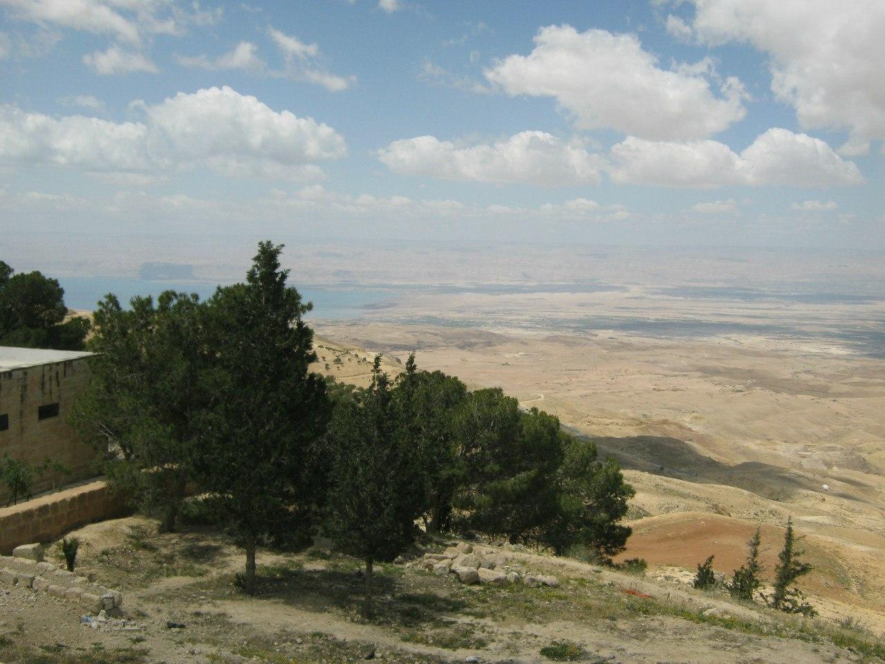 Вид на Израиль и Мёртвое море с горы Небо
