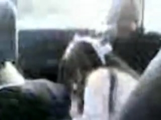 Кавказцы ебут в машине в рот проститутку