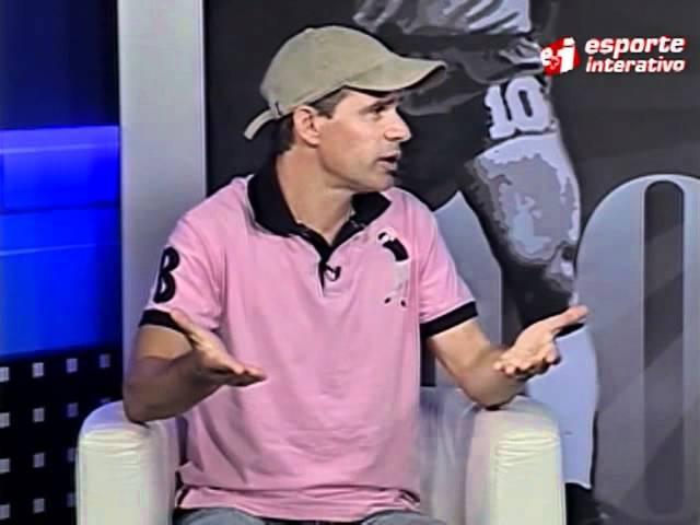 Túlio diz que estava impedido no gol sobre o Santos, em 95