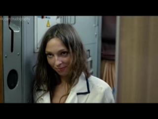 Голая Грудь Александры Туршен – Красные Дубы (2014)