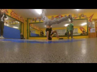 HeadSpin Practice (5 No-Handed Turns)