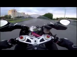 Мотоциклисты разогнались до 300 км/ч в центре Казани