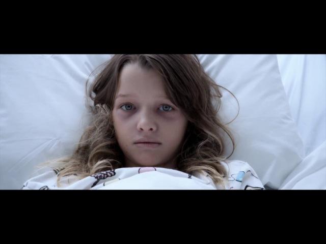 Сцена из фильма Обитель зла Последняя глава Как появился Т Вирус и Красная Королева