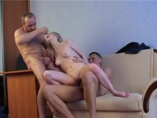 Русское порно. два мужика трахают молоденькую шлюшку за долги мужа_ мжм, секс, п