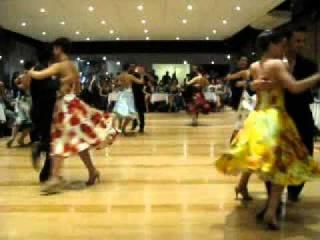 Baila la compañía de Social Tango 23 - 8 - 2013