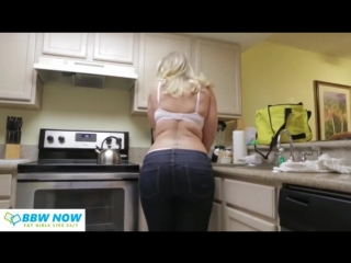 Big butt young thick chubby blonde pawg whooty