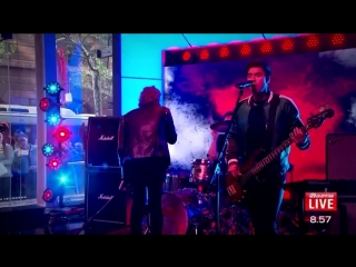 5sos performs Want you back sunrise