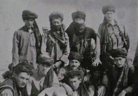 Рядовой Николай Веремчук (стоит крайний справа)