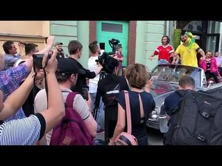 Бразилец Томер Савойа запел по-русски. Съёмки клипа