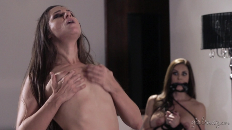 Abigail Mac, Kendra Lust, Cassidy Klein (Little Red: A Lesbian Fairy Tale: Part Four /  1080p]
