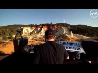 Teho live Colorado Provencal in Rustrel, France for Cercle