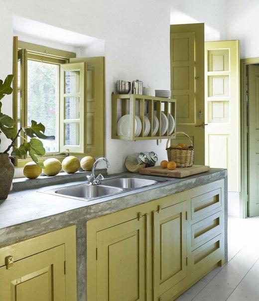 Стильное оформление кухни в загородном доме