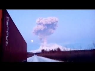 Пепловыброс на вулкане Шивелуч ( Камчатка, )