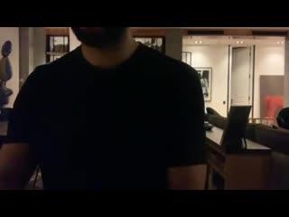 Иван Ургант играет саундтрек Summer к фильму Кикуджиро японского режиссера Такеши Китано