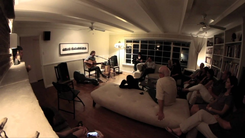 KXT Presents A House Concert Neil Halstead, Spin the Bottle