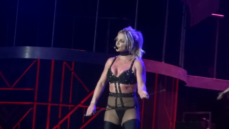 Britney Spears - Freakshow (Live at the Piece Of Me Tour, Mönchengladbach) HD