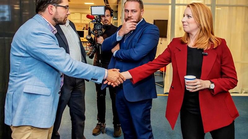 Centern tappar mandat till SD efter tabbe med rösterna