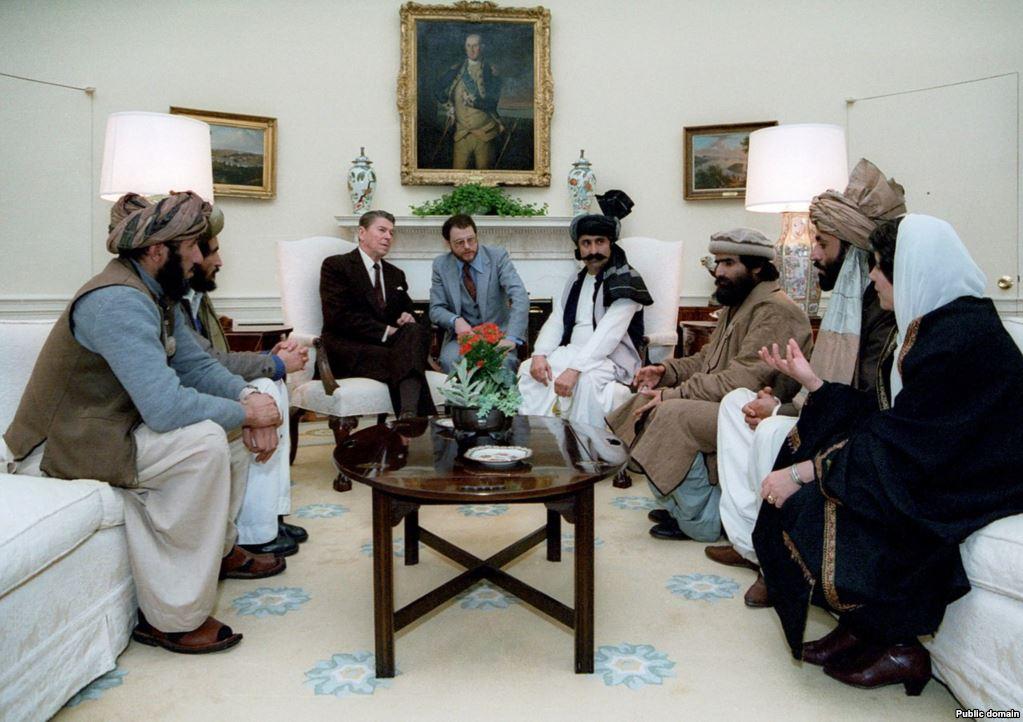 Эта музыка будет вечной: Рейган беседует с командирами афганских моджахедов в Белом доме, 1985 год