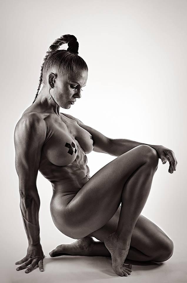 Athletic women xxx