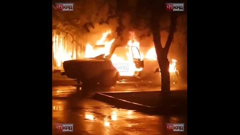 Улица 9 я Тихая сгорел ВАЗ 2106