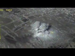 Самолеты Су-34 ВКС России наносит удар по разведцентру террористов.