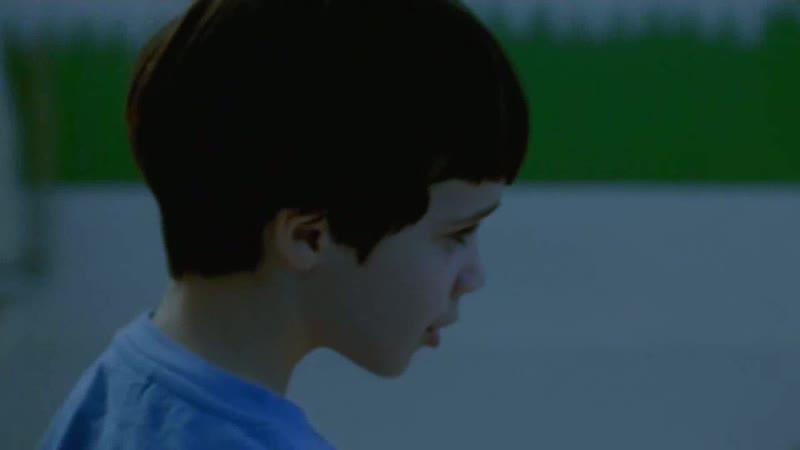 Мальчик насылает на отца рой пчёл Отрывок из сериала Тринадцатый апостол